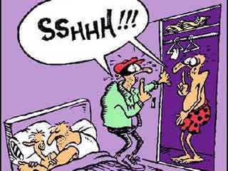 ladron y amante se ven en apuros en el dormitorio matrimonial