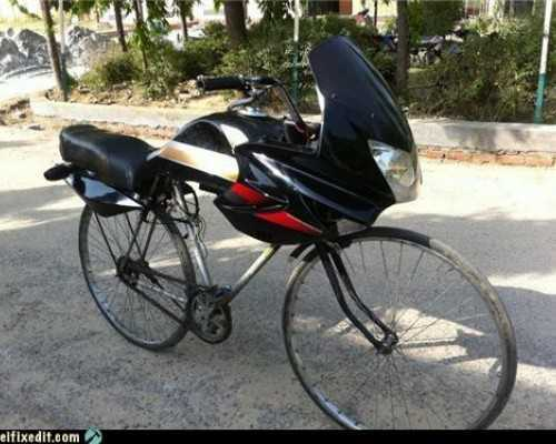 bicicleta tuneada para parecer una moto