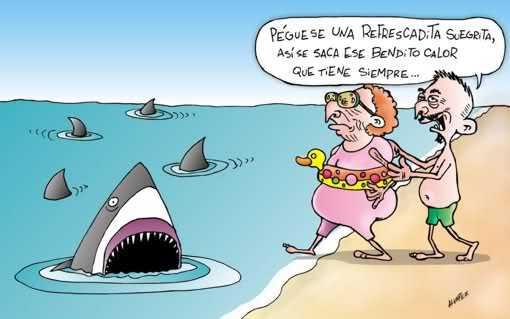 este hombre quiere dar de comer a los tiburones con su suegra